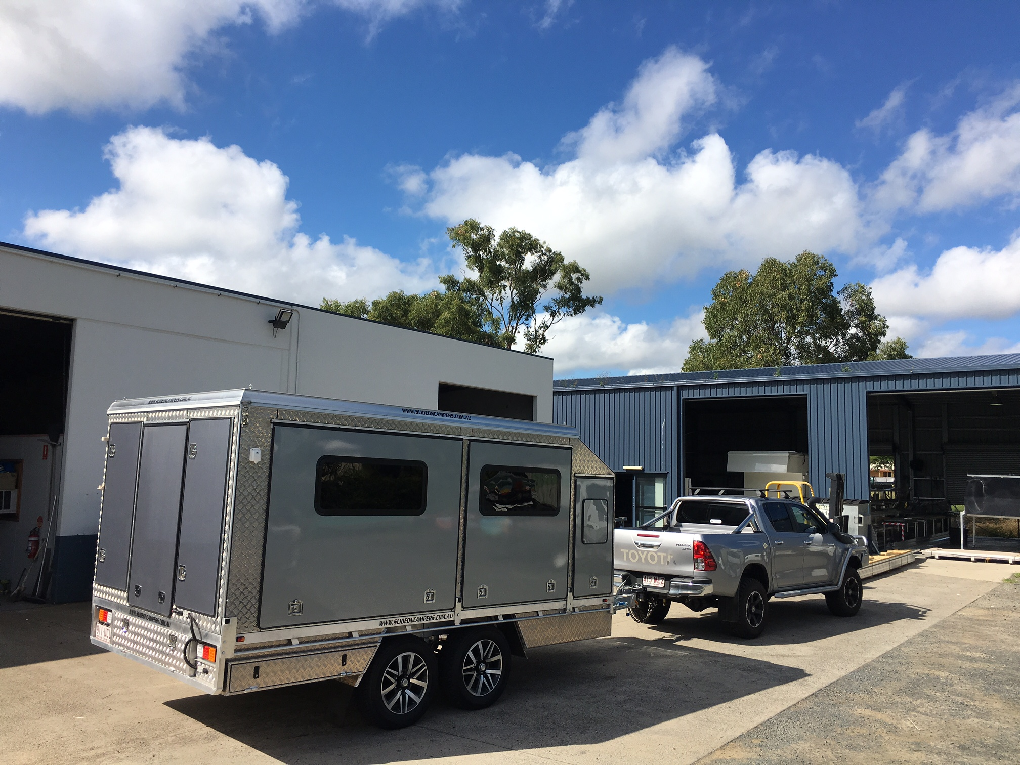 Dynamic Slideon Camper Trailers 1